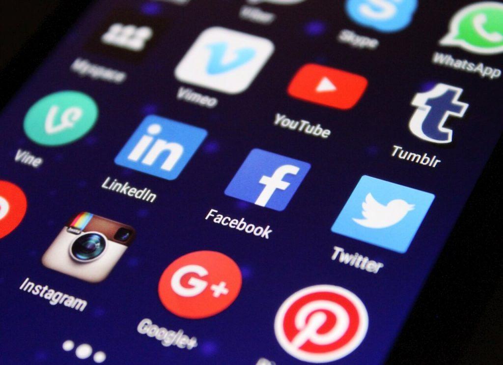 közösségi média koolidea